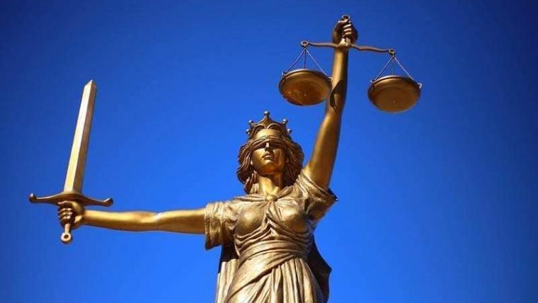 Schadevergoeding voor preventieve gevangenis na vrijspraak Constitutioneel Hof