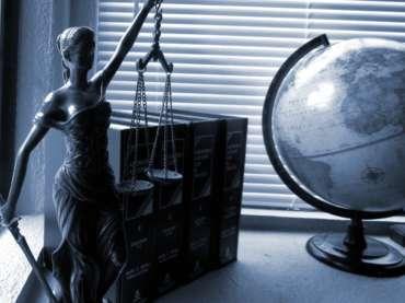 Aanklagen Aan Bank Voor Innen Van Ilegale Intresten (Bodemclausule)