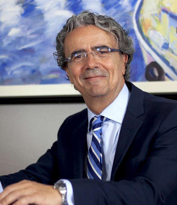 Aankoop en verkoop van woning in Spanje. Waarom De Diensten Van Carlos Baño León Aangaan?