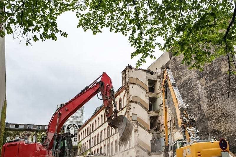 Demolición De 52 Casas