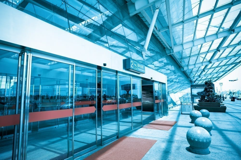 puertas automáticas centro comercial - ongeval met toegangsdeuren van grootwarenhuis