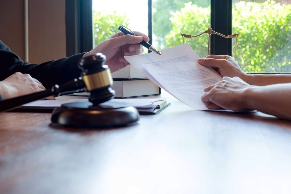 los abogados asesoran y recomiendan propuestas legales reparto de bienes de una herencia